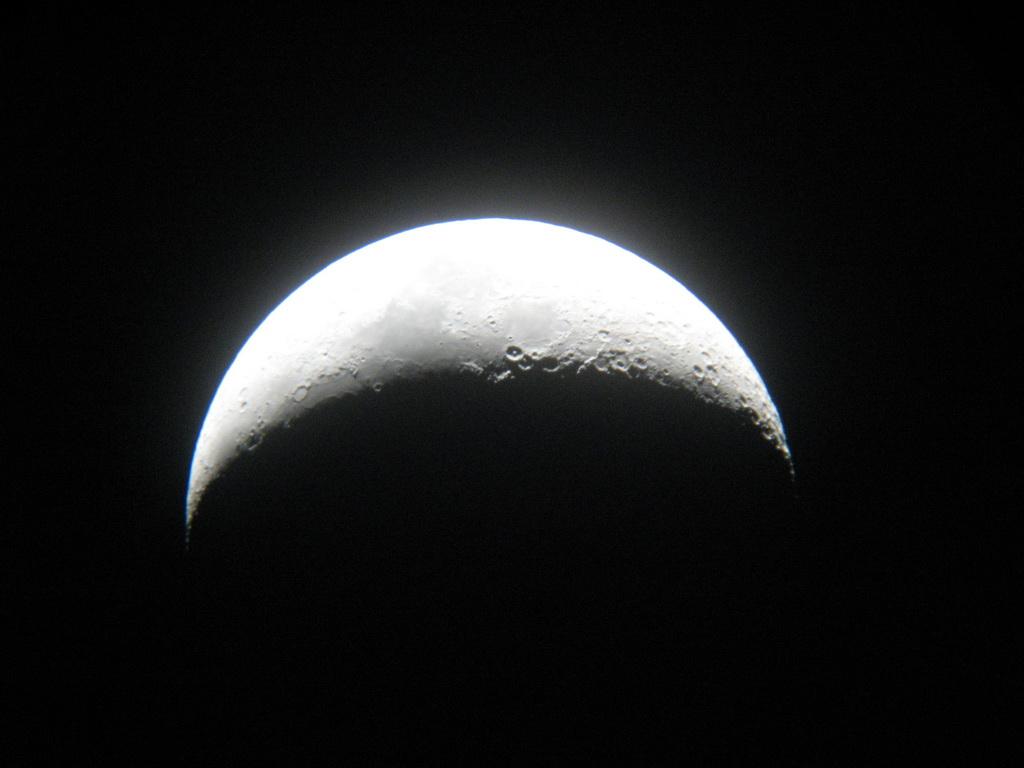 20090101-079-moon