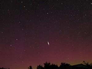 Aurora 61sec exposure North, -10 satellite flare 21:04 edt